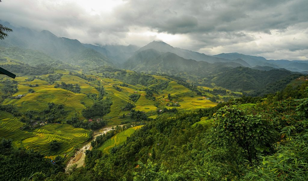 mountains-and-hills-4593336_1920